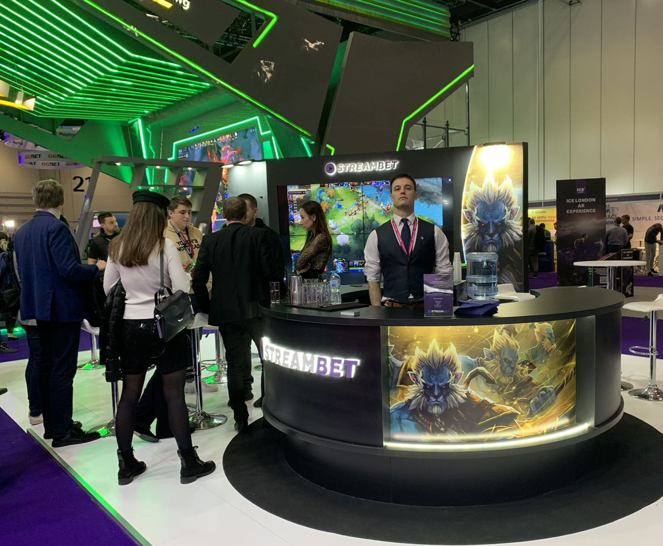 tailor-made stand STREAMBET at the ICE London