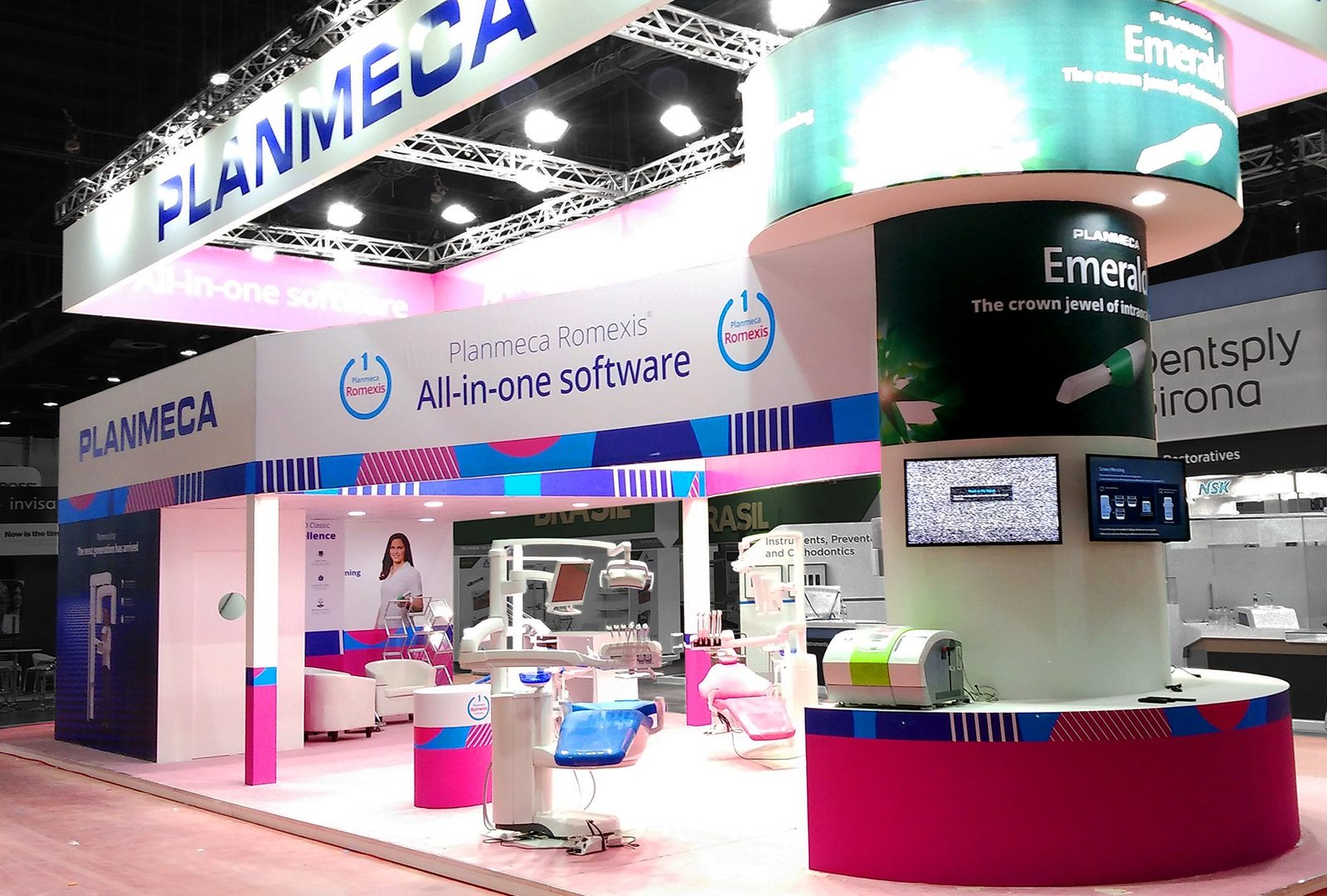 Exhibition Stand Double Decker : Bright double decker stand for planmeca at aeedc 2018 alpaca expo